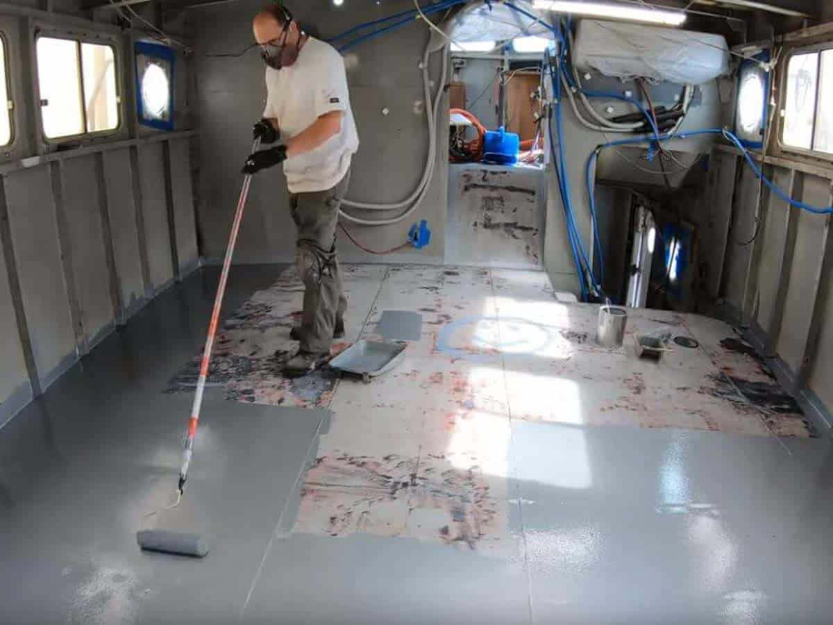 Marine - Metal Boat Floor Application - Rust Grip